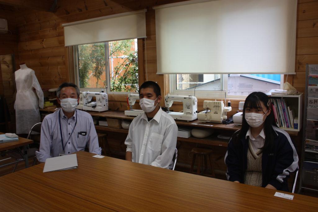 テキスト ボックス: 左から 奥田先生、関谷さん、清水さん